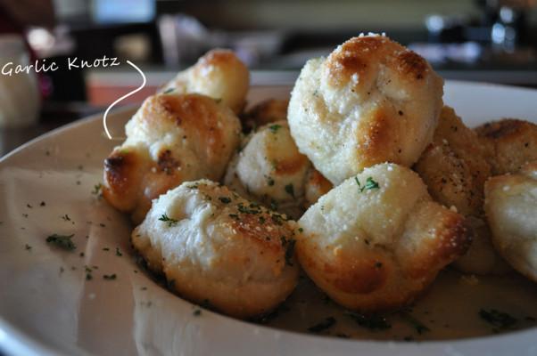 Garlic Knotz